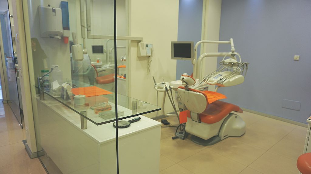 Vista dos consultas en la Clinica Dental
